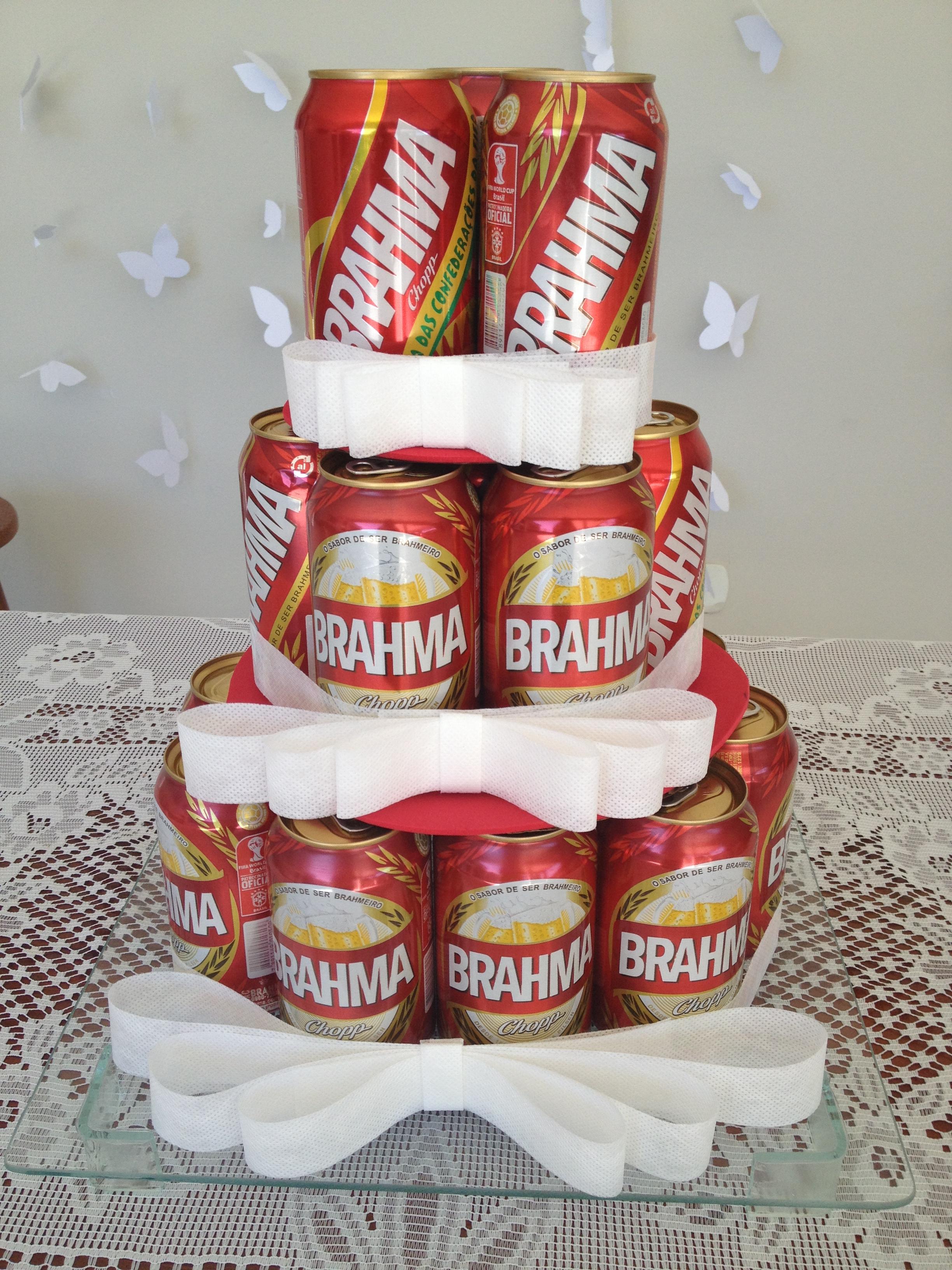 decoracao boteco noivado : decoracao boteco noivado: um charme na mesa do bolo, claro se o tema for boteco né? hahahahhaa